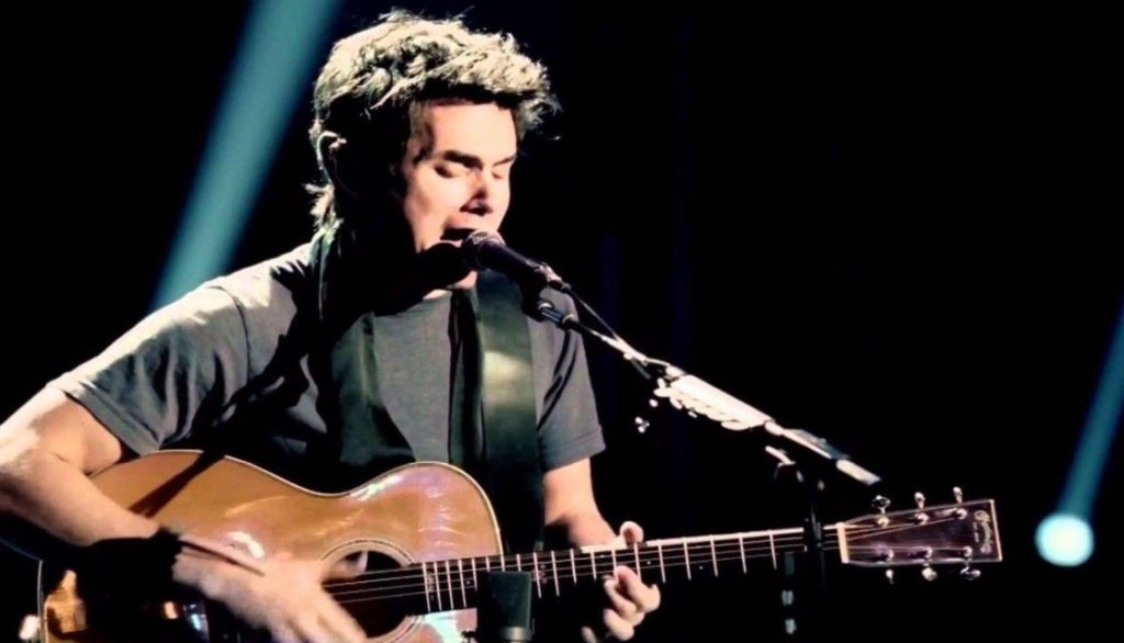 john-mayer-performing